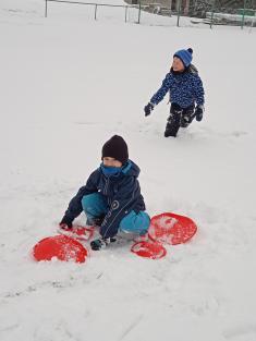 Hry na sněhu a ledu - Sluníčka